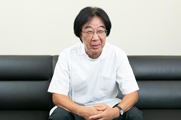 長岡 章平病院長