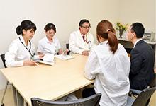 医師、看護師長、医療ソーシャルワーカーによる面談で、入退院の不安も解消