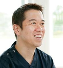 齋藤滋整形外科部長。1999年東京慈恵会医科大学卒業
