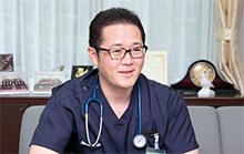 須郷慶一消化器内科部長。1997年獨協医科大学卒業。地域の予防医療に力を注ぐ