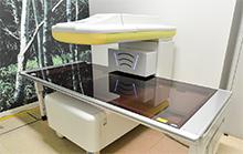 導入された高精度な骨密度測定装置は、骨粗しょう症の内服薬の効果もわかるという