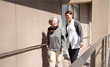 担当のセラピストが患者の健康状態や心理状態を考えながらプログラムを進める