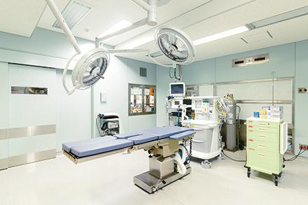 同院の手術室。関節鏡を用いた手術は傷が約1cmと侵襲が少ないのが魅力