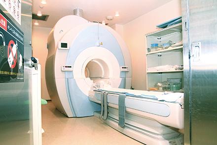 MRIをはじめ、先端検査機器がそろう
