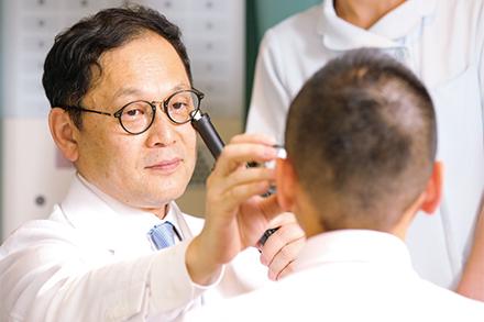 都内で糖尿病網膜症をはじめとする網膜硝子体疾患を専門に扱う施設として、遠方からも多くの患者を受け入れる