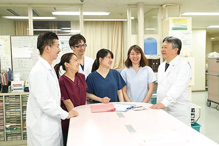 医学塾としての長い歴史に裏づけられた確かな指導体制で、医師の教育に力を注ぐ