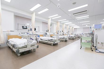 増床された透析室。専門の資格を持つスタッフが新しい治療にも取り組む