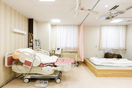 陣痛、分娩、回復を同じ部屋で行うことができるLDR。和室やシャワールームもあるプライベート空間