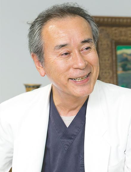 総合診療部門長の齋藤司先生。モットーは「疾患を診るのではなく、一人の人間として診ること」
