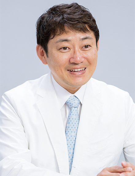 優しい語り口の安達太郎先生。睡眠時無呼吸症候群は、逆流性食道炎、緑内障、多血症、認知症などとの関係を示す報告も多数されているという