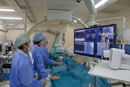 疾患が重症化する前の早期治療を実現するため、心臓血管外科との連携を強めている