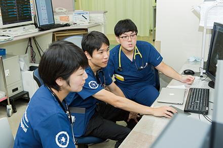 抜群のチームワークが救急の現場を支えている