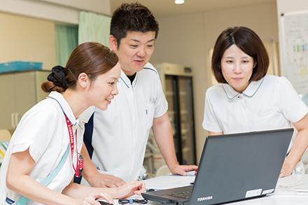 経験豊富なスタッフが患者をサポート
