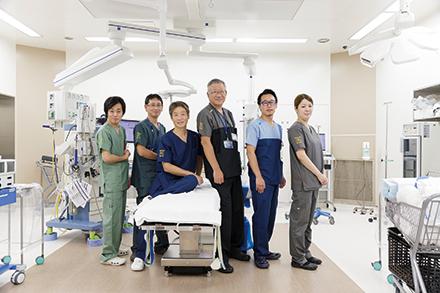 呼吸器外科チーム。1 日2回のカンファレンスでは、患者一人ひとりの病状について話し合う