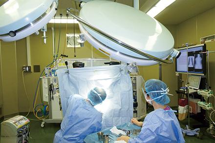 術前・術後の管理が難しい合併症がある患者の手術も積極的に取り組んでいる