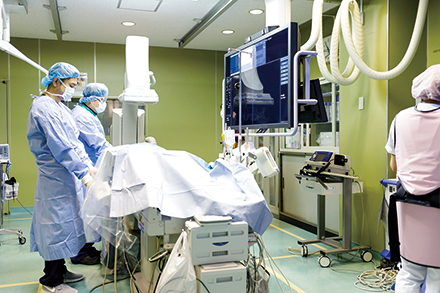 血管が硬くなりカテーテル治療が難しい透析患者の治療の経験が豊富