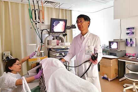 上部消化管の内視鏡検査では経口のほか、喉への違和感が少ない経鼻も選べる