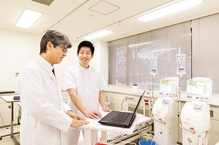 末期腎不全患者への人工透析療法に加え、ネフローゼ症候群などへのアフェレシス療法にも対応している地域でも数少ない施設