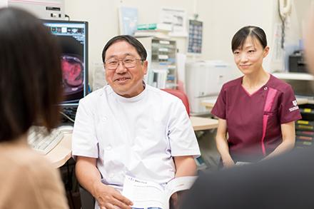 日本看護協会乳がん看護認定看護師、同がん化学療法看護認定看護師、同緩和ケア認定看護師、専門スタッフと連携し、患者に寄り添う