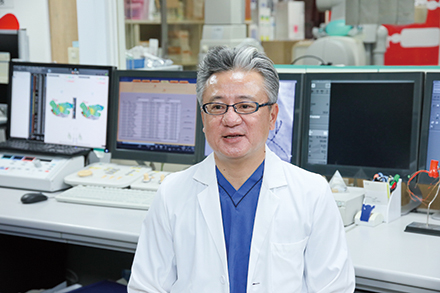 不整脈治療チームのチーフである、慶田毅彦循環器内科部長。多くのカテーテル治療に対応