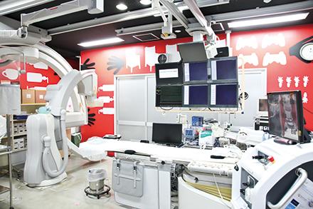 30年以上前から取り組む不整脈治療では、先端機器による治療を積極的に採用
