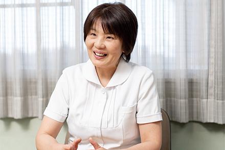 患者に一番近い存在として患者を理解し、看護を行いたいと話す田中看護部長