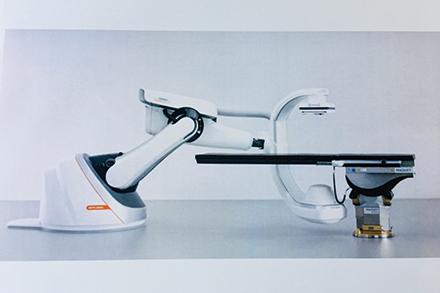 ハイブリット手術室対応の多軸透視・撮影システム