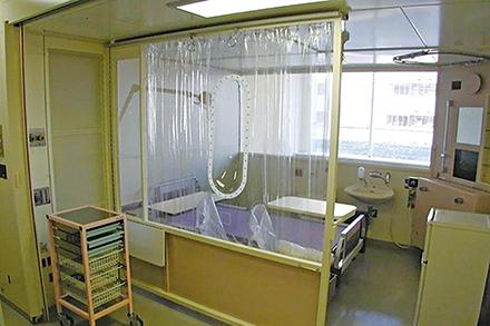 防御環境室。空気を無菌化することで経気道感染を防ぐ