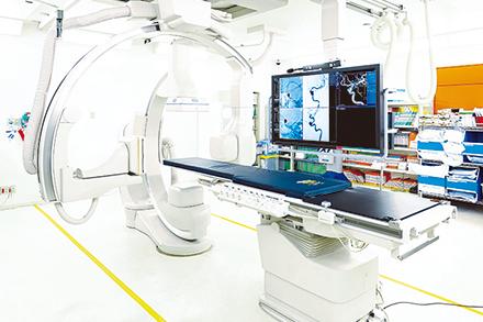 同大学と企業が共同開発した新鋭の脳血管撮影装置