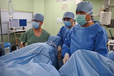 侵襲の少ない密封小線源治療を中心に、前立腺がんに対してさまざまな治療方法で対応