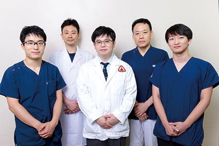 経験豊富な医師と若手医師が一丸となって幅広い診療を行う