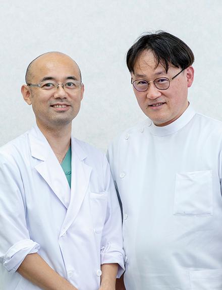 副院長の芝祐信先生(右)と感染症内科医長の横田和久先生(左)