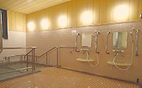 広くてきれいな大浴場は、ゆったりとくつろげる