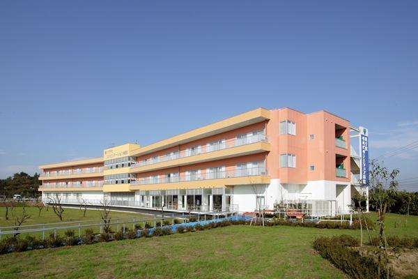 自然あふれる環境のリハビリ専門病院