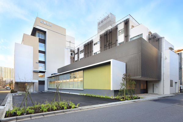 船橋駅から徒歩圏内、地域に根差した病院